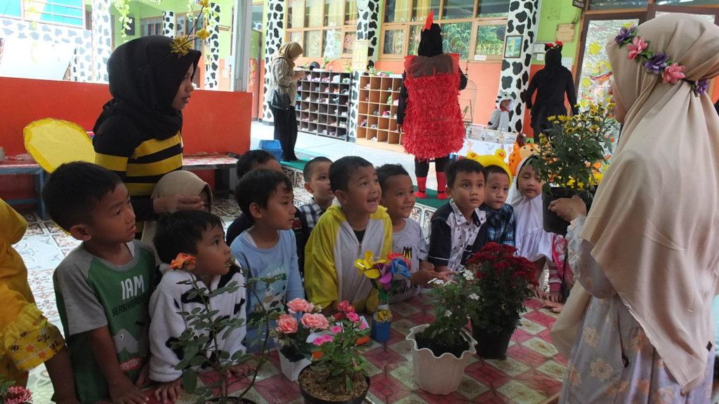 Opening Theme Flora dan Fauna