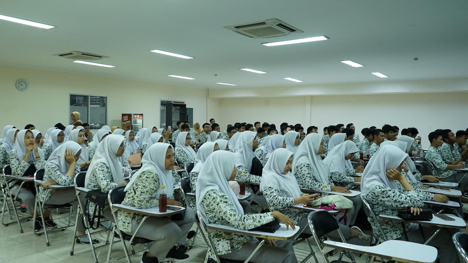 Kunjungan Industri SMA Al Muslim 6
