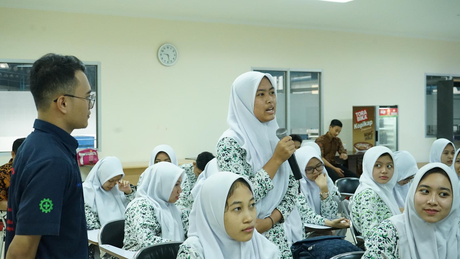 Kunjungan Industri SMA Al Muslim 10