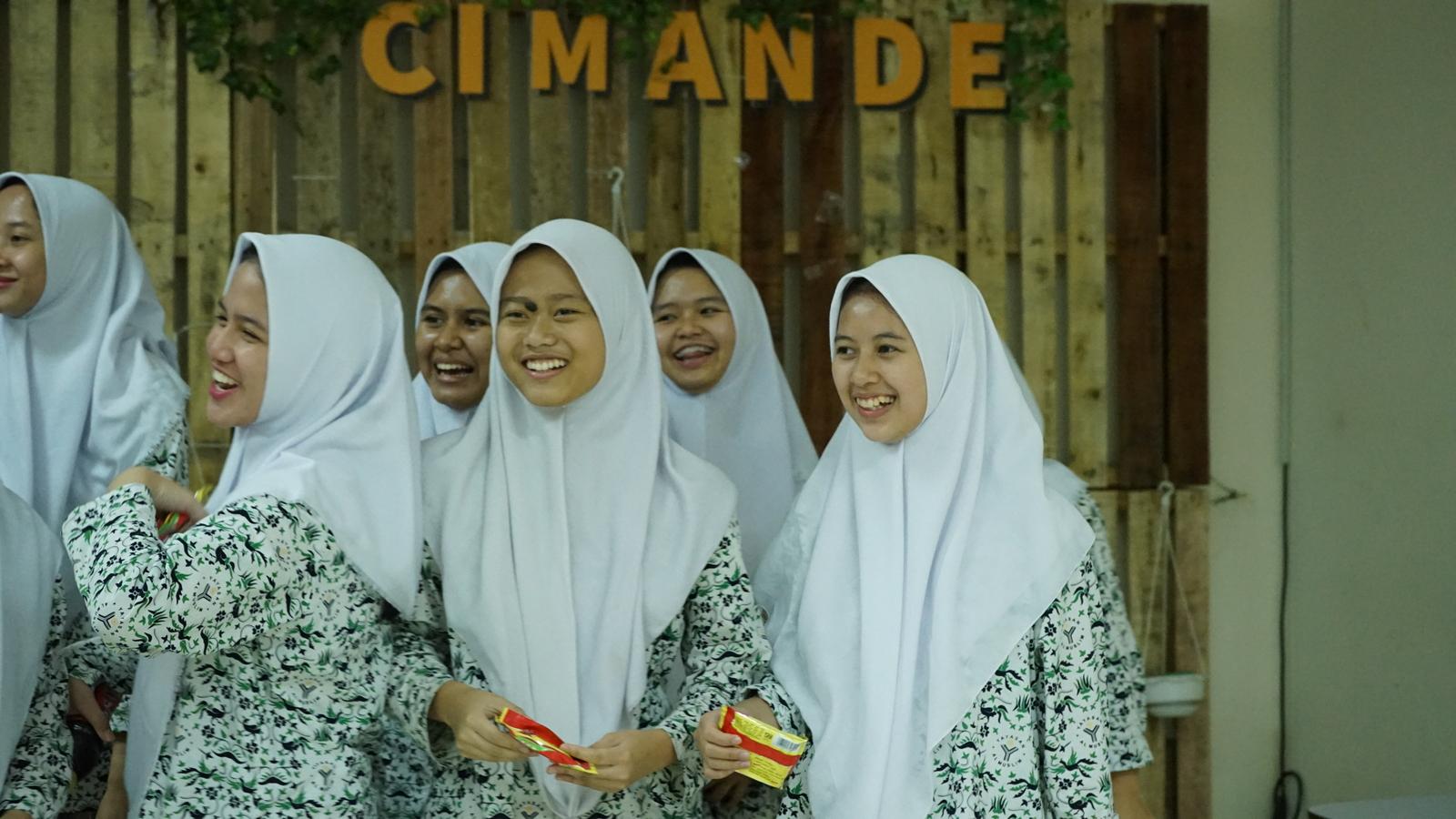 Kunjungan Industri SMA Al Muslim 13