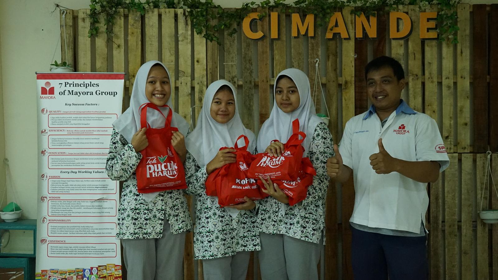 Kunjungan Industri SMA Al Muslim 17