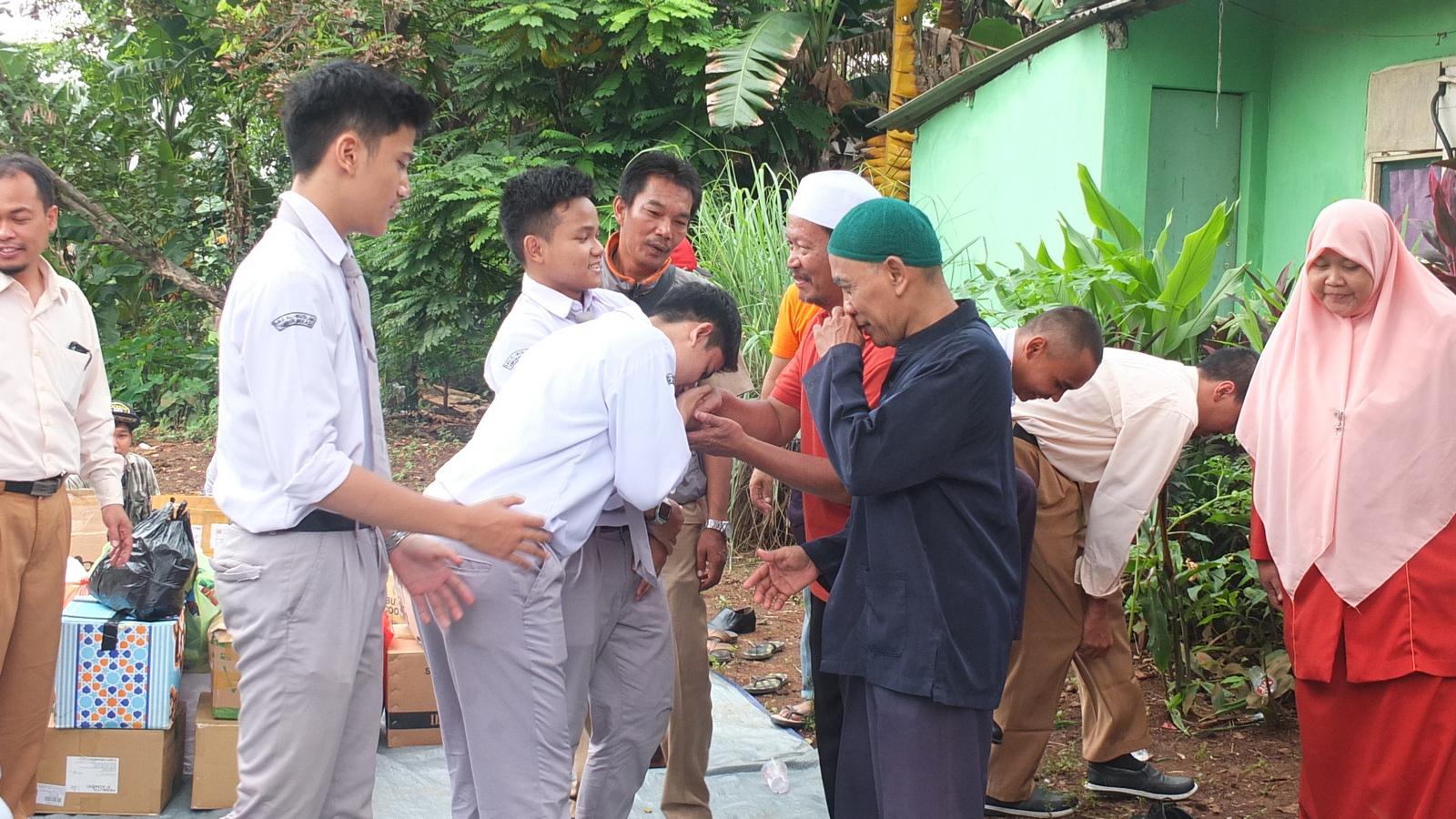 Santunan Korban Banjir 11
