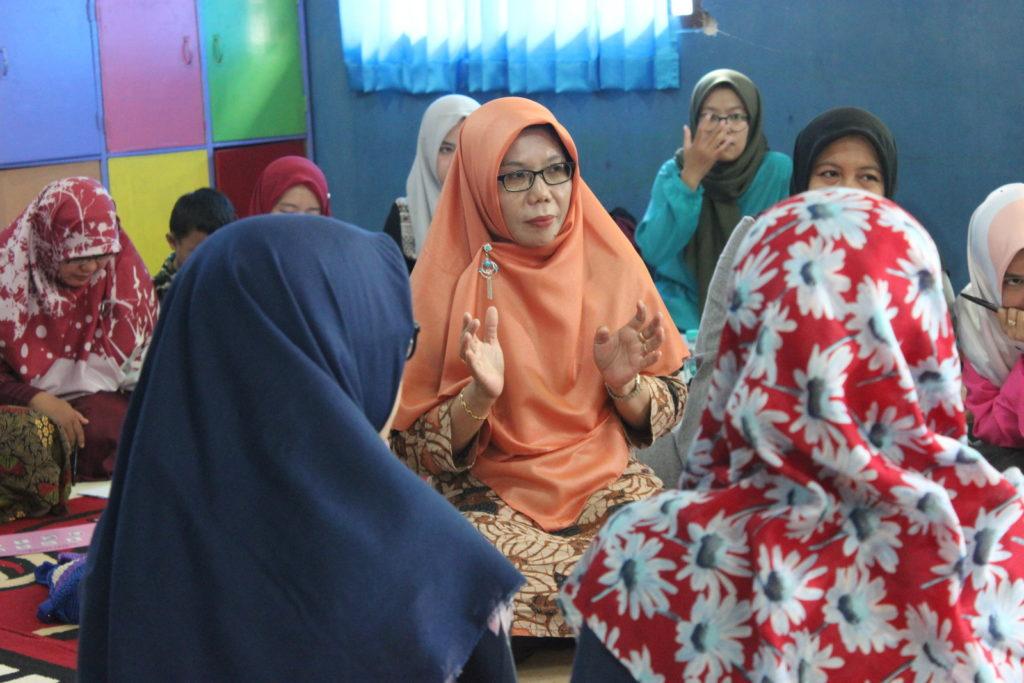 Pelatihan CBI Fonik Bersama Ibu Sumarti M. Thahir (2)