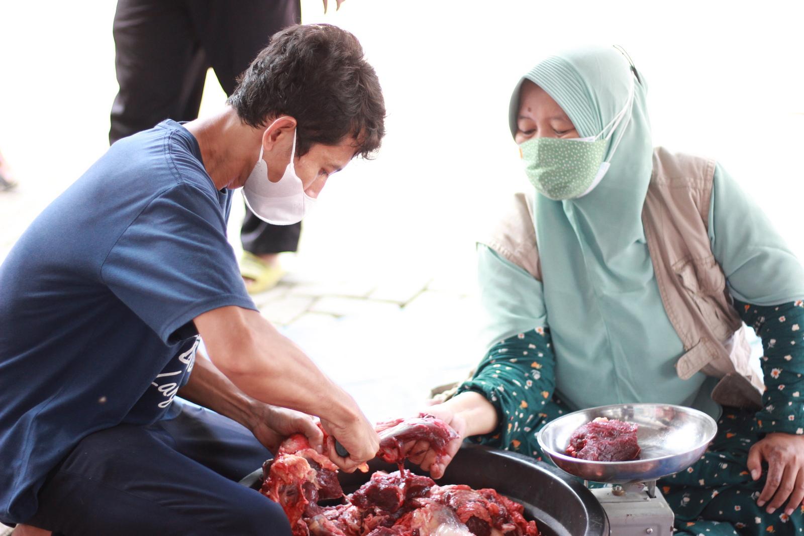 Distribusi Daging Kurban Yayasan Al Muslim